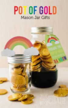 St. Patrick's Day Crafts: Pot of Gold Mason Jar